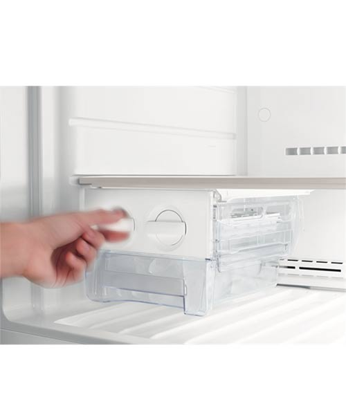 Ice cube maker Westinghouse 540L Top Mount Fridge