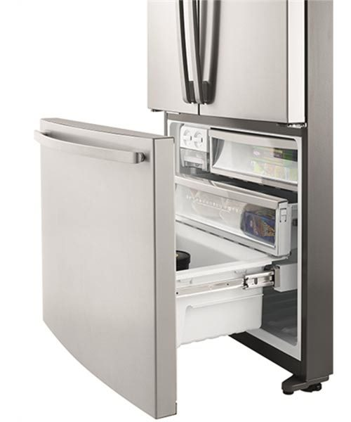 Self closing freezer door Westinghouse Fridge WHE5200SA
