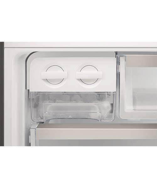 Twist and serve ice maker Electrolux fridge EBE4507SA