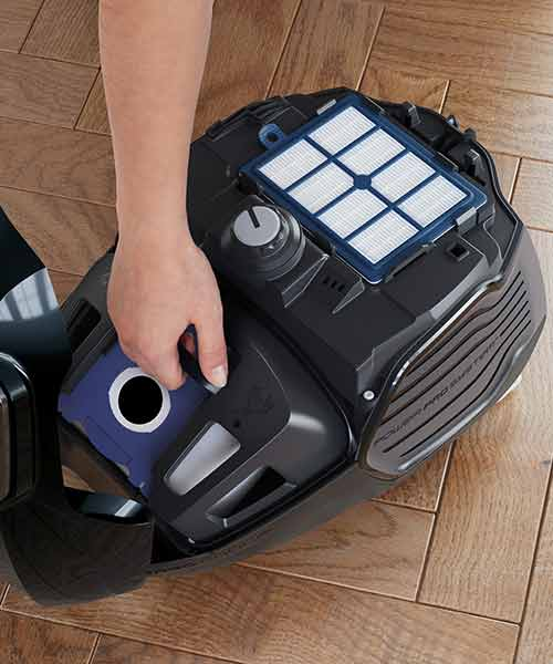 Electrolux Vacuum With easy to change bags
